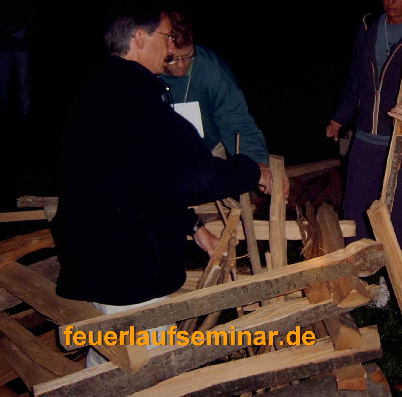 2 - Holzstapel aufbauen